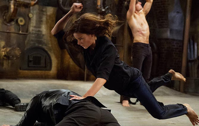 How Rebecca Ferguson Got Fit For Mission Impossible | Cari ...